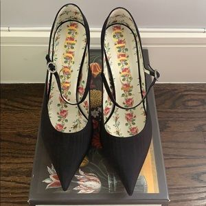 GUCCI MOIRET MARY JANE BLACK PUMP SHOE SIZE 41 10